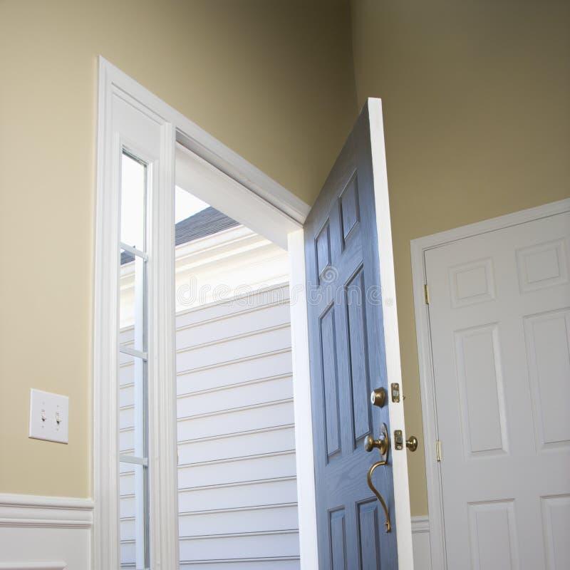 Open deur. stock afbeeldingen
