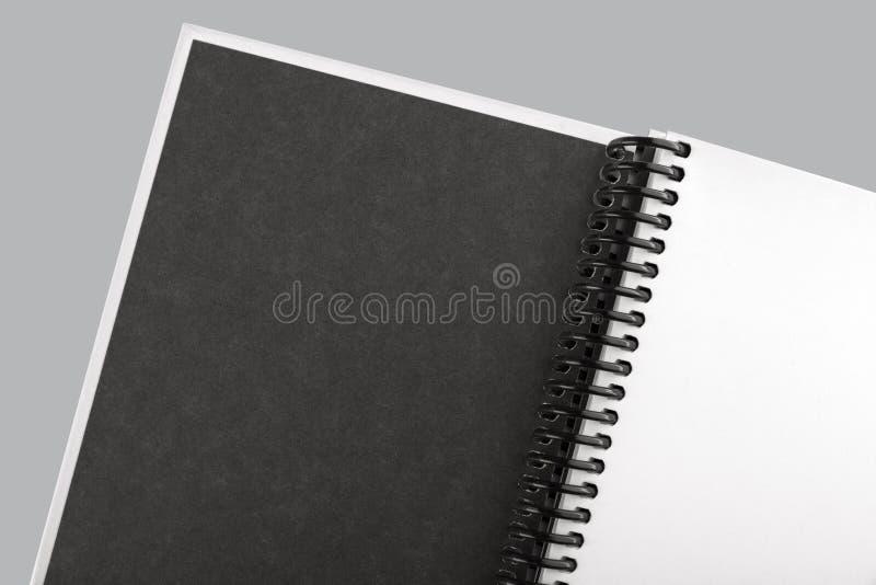 Open dichte omhooggaand van het Witboeknotitieboekje stock fotografie