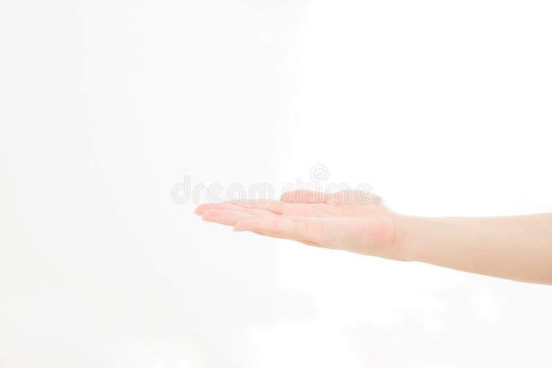 Open die hand, palm omhoog op witte achtergrond wordt geïsoleerd Front View Spot omhoog De ruimte van het exemplaar malplaatje sp stock afbeelding