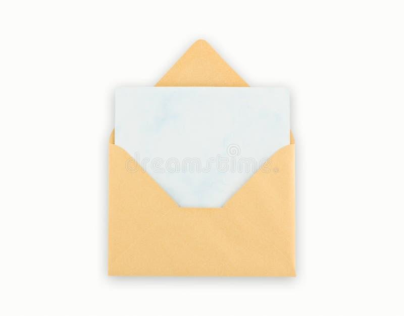 Open gouden envelop met pape, het knippen weg. royalty-vrije stock fotografie
