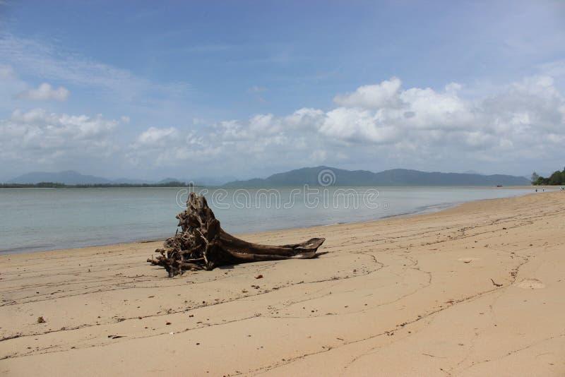 Open het strand in zuidelijk Thailand het programma royalty-vrije stock afbeelding