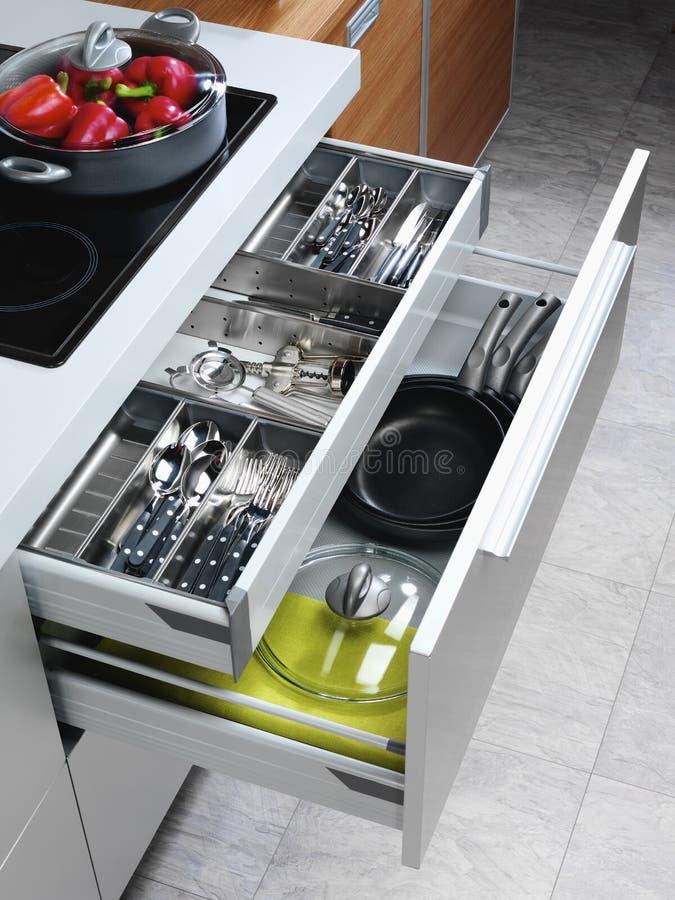 Open keukenladen royalty-vrije stock afbeelding