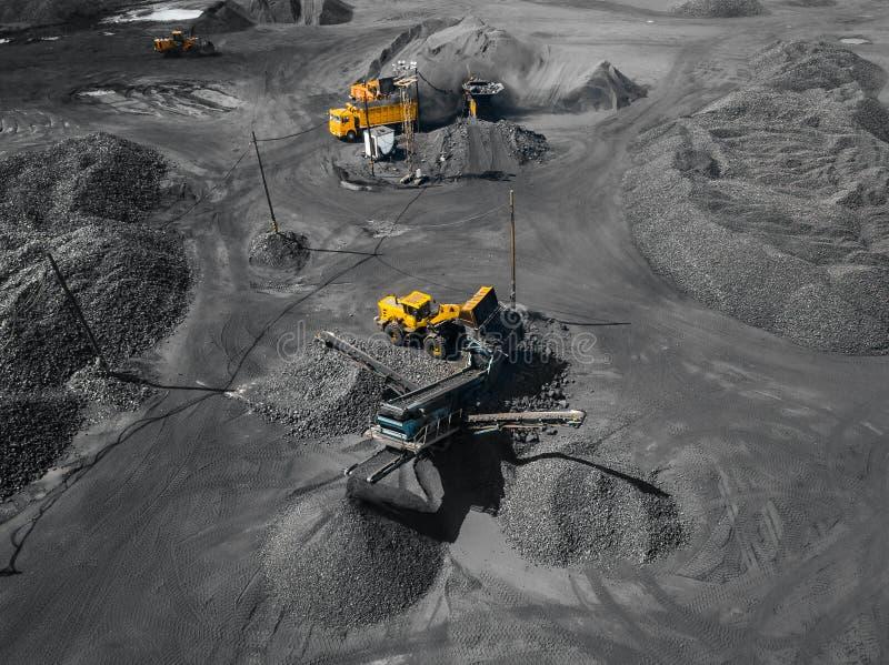 Open kuilmijn, mijnbouw voor steenkool, hoogste menings luchthommel royalty-vrije stock afbeelding