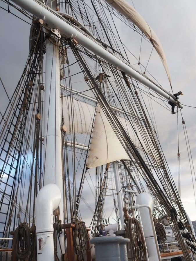 https://thumbs.dreamstime.com/b/open-ocean-sailing-squarerigger-tallship-sailing-vessel-open-ocean-sailing-squarerigger-tallship-sailing-vessel-unique-166751201.jpg