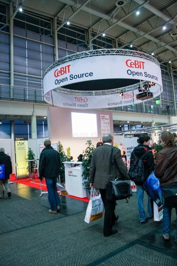Open Source-de cabine bij CeBIT-informatietechnologie handel toont stock foto's