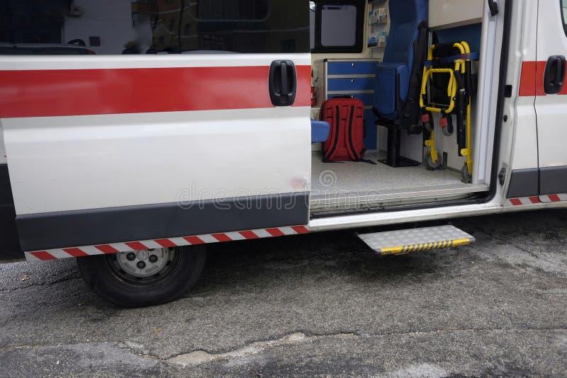 Open ziekenwagen royalty-vrije stock afbeelding