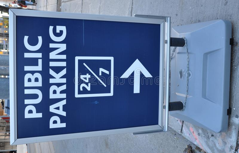 Openbaar parkerenteken stock foto