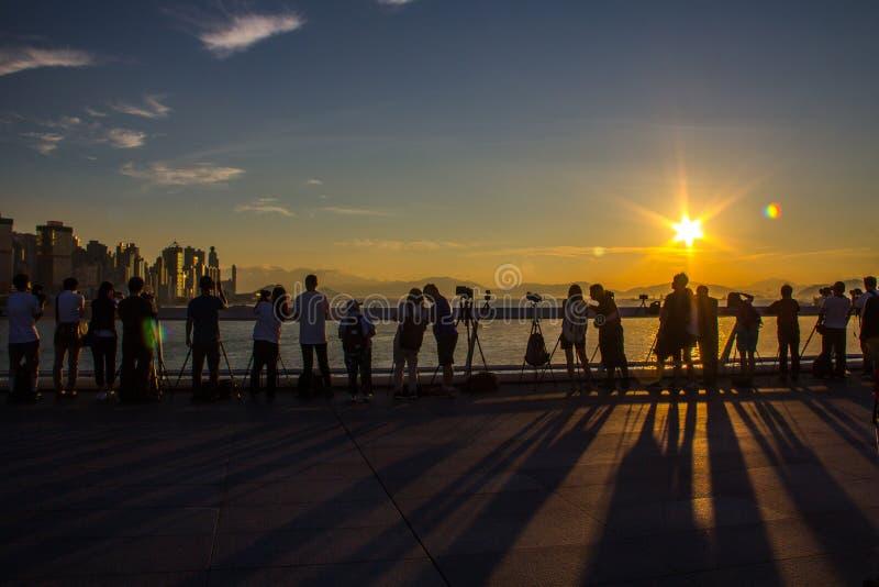 Openbare Ladingsveerboot, Kennedy Town, Hong Kong: één van de weinig beste plaatsen voor het nemen van zonsondergangfoto's met be royalty-vrije stock foto