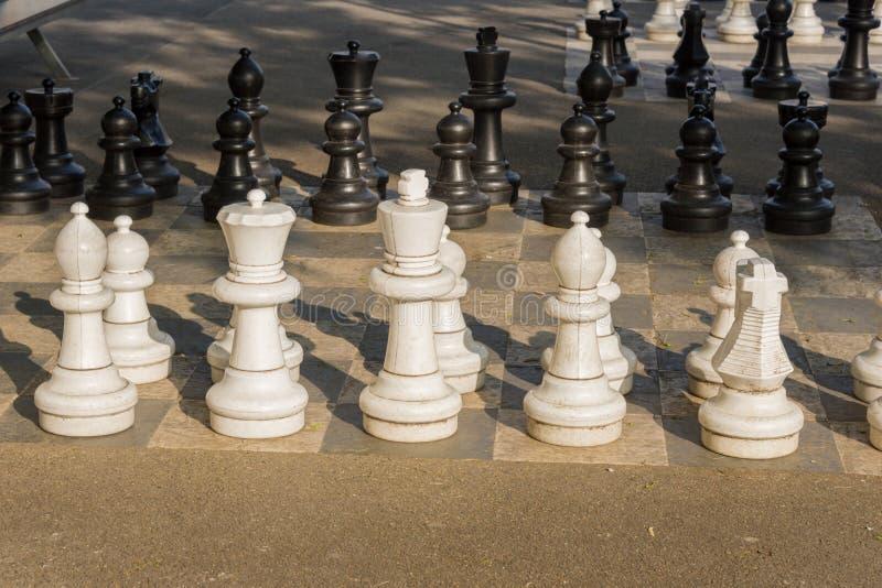 Openbare schaakspelen in Bastionenpark, Genève stock foto's