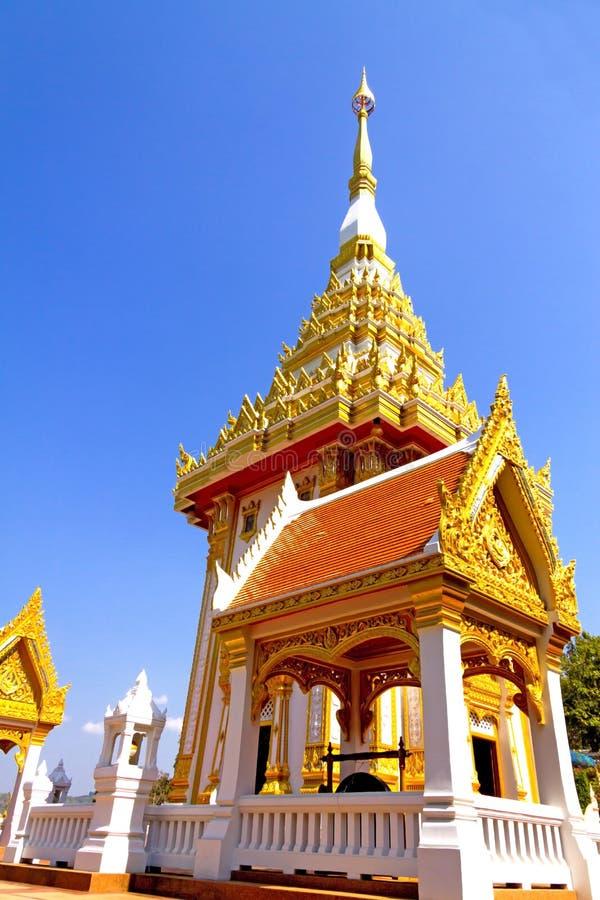 Openlucht idyllisch van de architectuurkerk met gouden royalty-vrije stock afbeelding