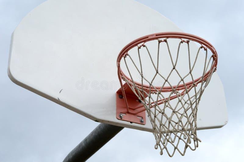 Openlucht netto basketbal stock afbeeldingen