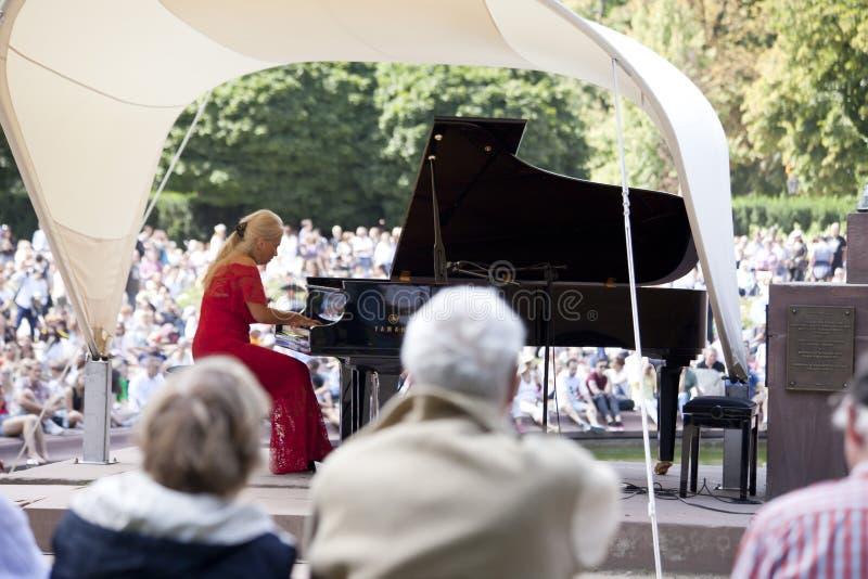 Openlucht open overweging van de muziek van Chopin royalty-vrije stock afbeeldingen