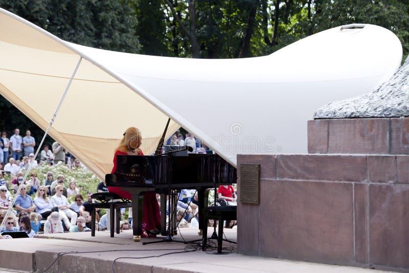 Openlucht open overweging van de muziek van Chopin stock afbeeldingen