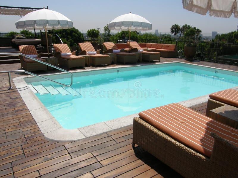 Openlucht pool stock afbeelding