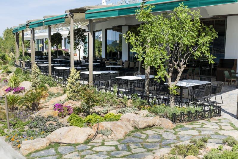Openlucht restaurant royalty-vrije stock afbeeldingen