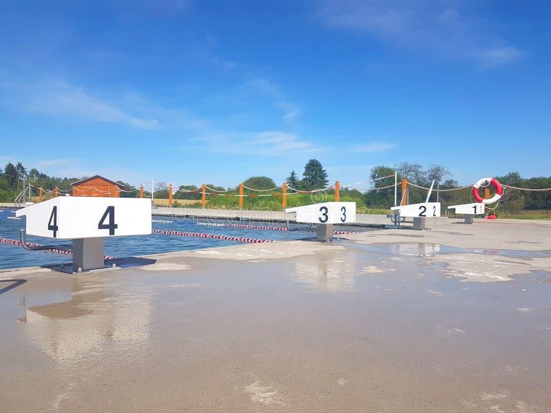 Openlucht Zwembad stock foto