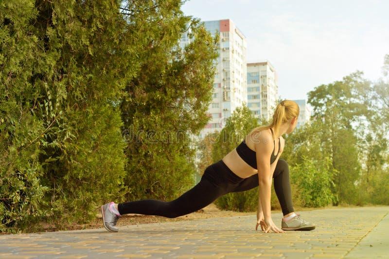 Openluchtgeschiktheid, manier, training, gezondheidsconcept stock foto