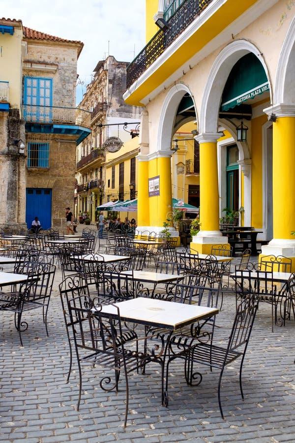 Openluchtkoffie in historisch Oud Havana royalty-vrije stock afbeelding