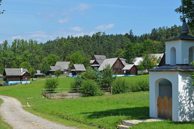 Openluchtmuseum van Slowaakse traditionele houten architectuur, Slowakije stock foto's