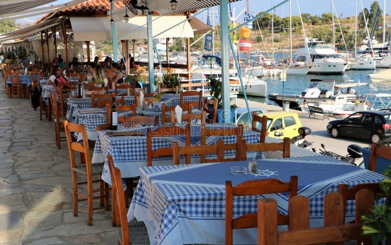 Openluchtseaviewrestaurant Griekenland stock foto
