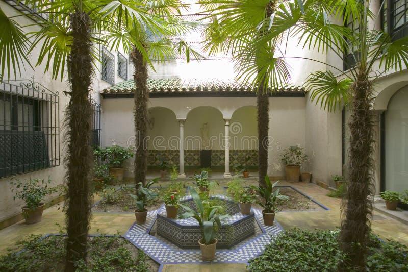 Openluchttuinen van het Sorolla-Museum in Madrid, Spanje stock afbeeldingen