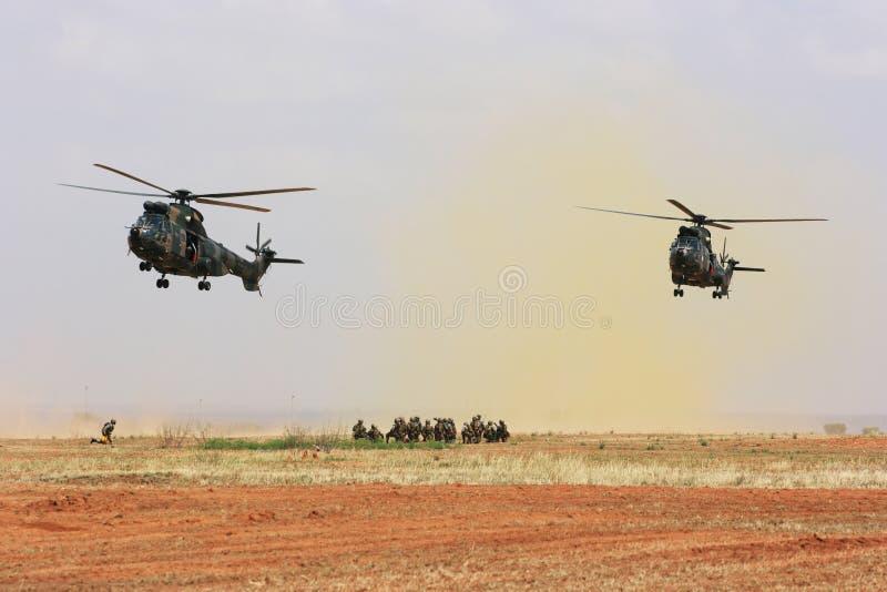 Operação de salvamento militar imagem de stock