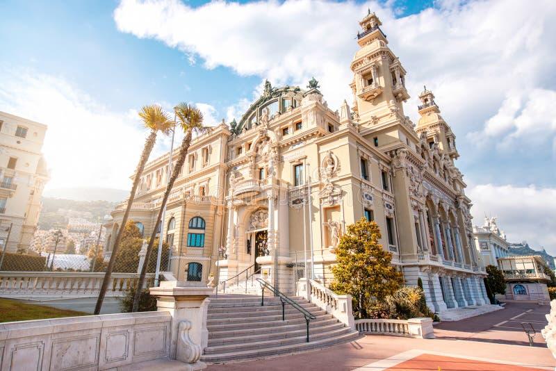 Operabyggnad i Monaco arkivbild