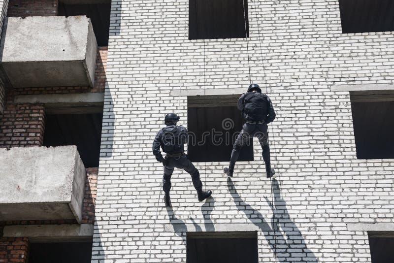 Operación del asalto del GOLPE VIOLENTO fotografía de archivo