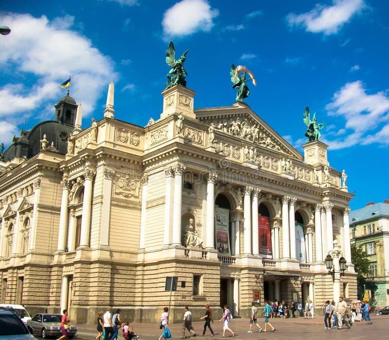 Operahus Lviv fotografering för bildbyråer