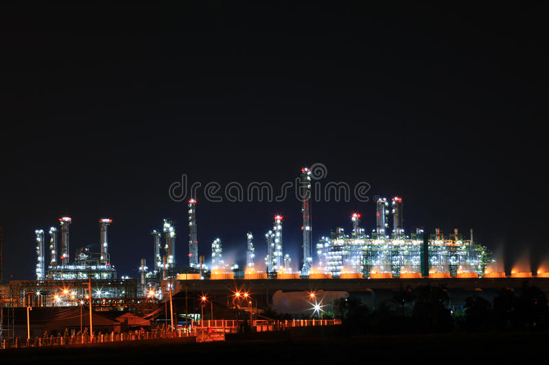 Operating petrochemical oil refinery factory royalty free stock photos