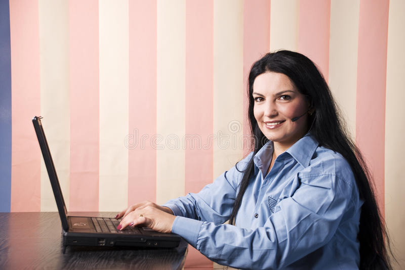 Download Operator Woman With Laptop Royalty Free Stock Image - Image: 10916636