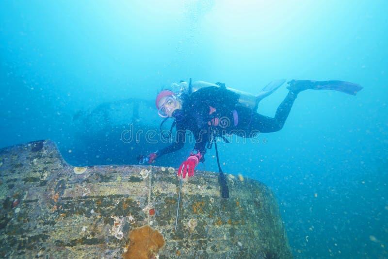 Operatori subacquei e naufragio marino fotografie stock libere da diritti