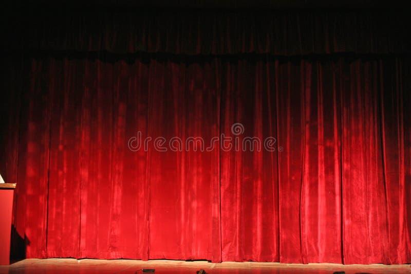 opery, bogaty czerwone zasłony do teatru zdjęcia stock