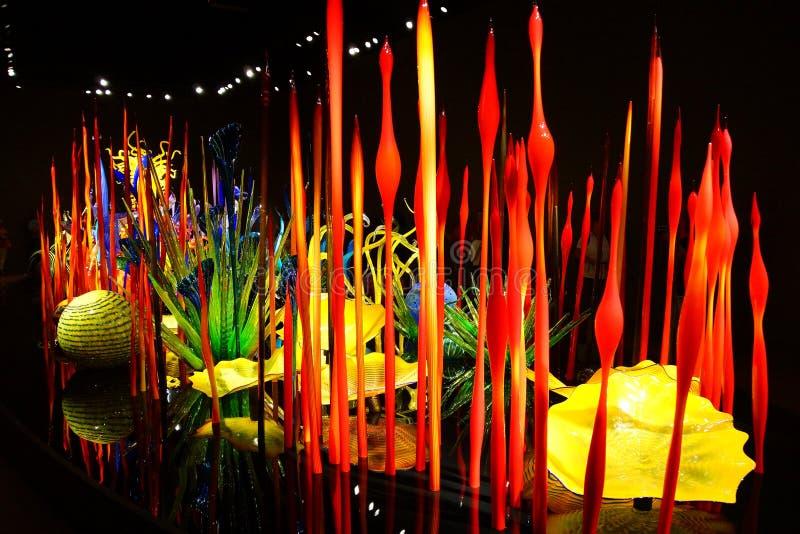 Opgeblazen glas in abstracte vormen royalty-vrije stock afbeeldingen