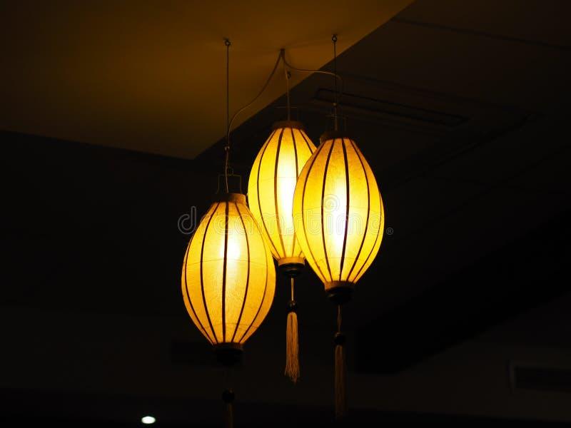 Opgeschorte plafondlamp stock fotografie
