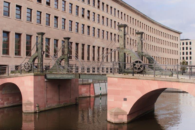 Ophaalbrug in Berlijn royalty-vrije stock afbeelding