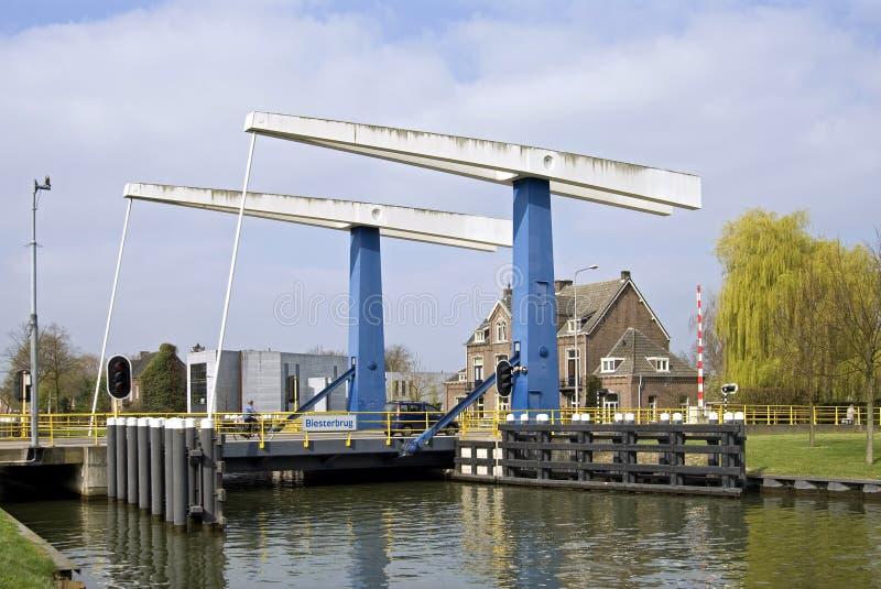 Ophaalbrug Biesterbrug, Weert, Nederland royalty-vrije stock foto