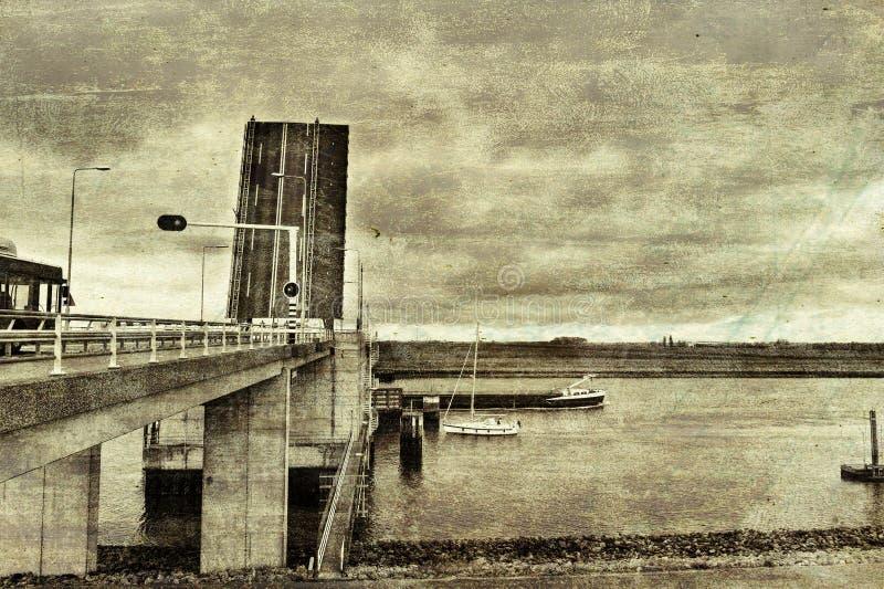 Ophaalbrug over het Kanaal in Holland stock foto