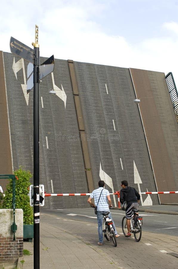 Ophaalbrug Willemsbrug in Amsterdam, Nederland stock afbeelding