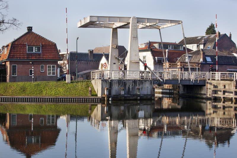 Ophaalbrug in Woerden in Nederland stock foto's