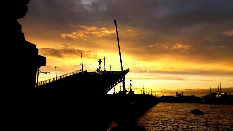 Ophaalbrugst. petersburg royalty-vrije stock afbeelding