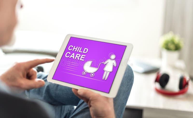 Opieka nad dzieckiem pojęcie na pastylce fotografia stock