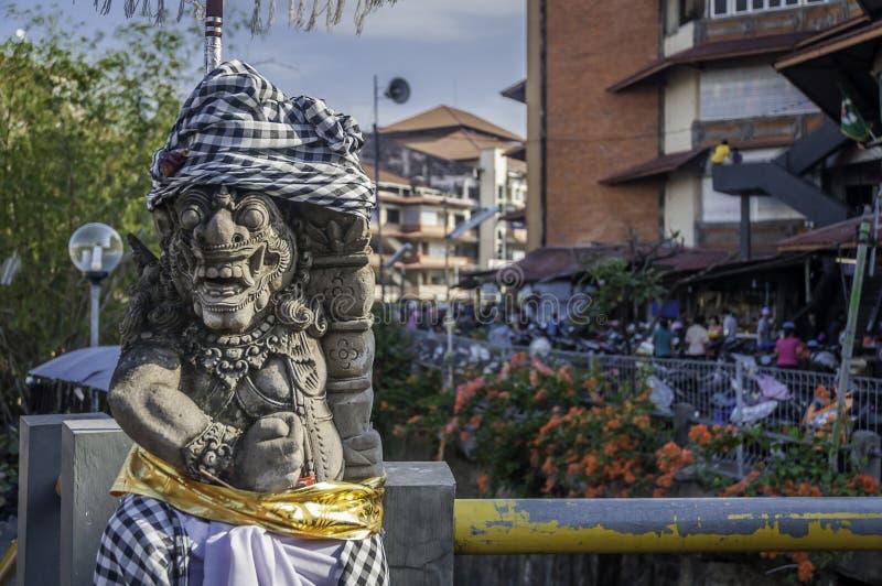 Opiekun statua przy badung tradycyjny targowy Bali zdjęcie stock