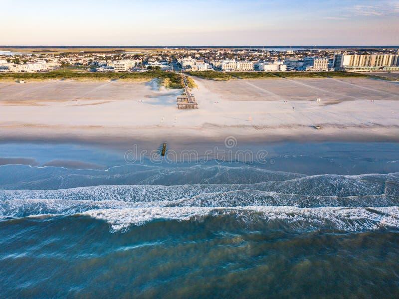 Opinião aérea da cidade do beira-mar imagens de stock