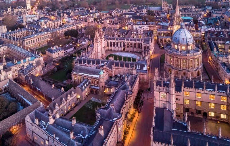 Opinião aérea da noite de Oxford central, Reino Unido fotos de stock