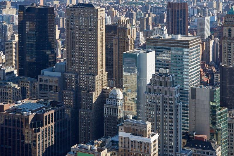 Opinião aérea da skyline de New York City Manhattan com arranha-céus foto de stock royalty free