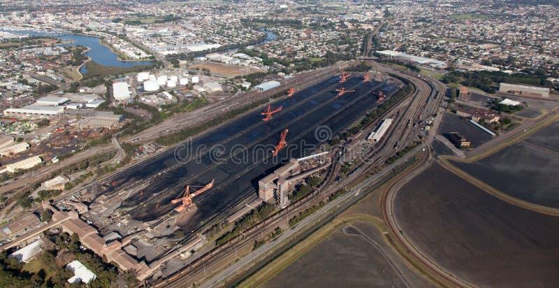 Opinião aérea do carregador de carvão de Newcastle Austrália imagem de stock royalty free
