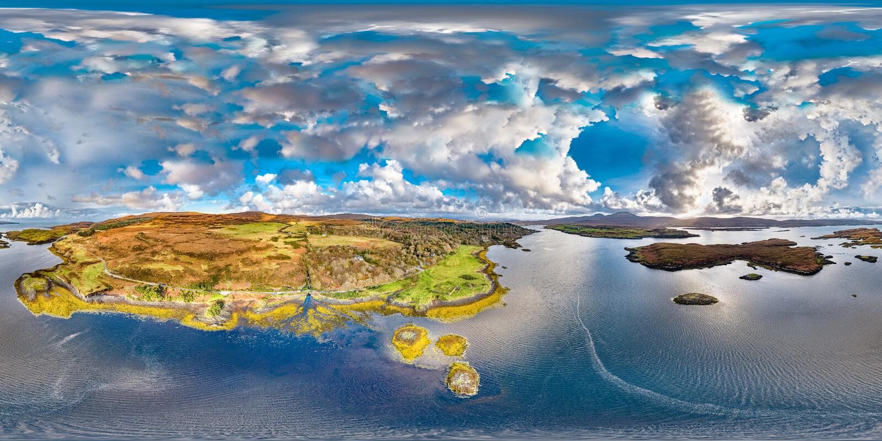 Opinião aérea do outono do castelo de Dunvegan, ilha de Skye imagem de stock