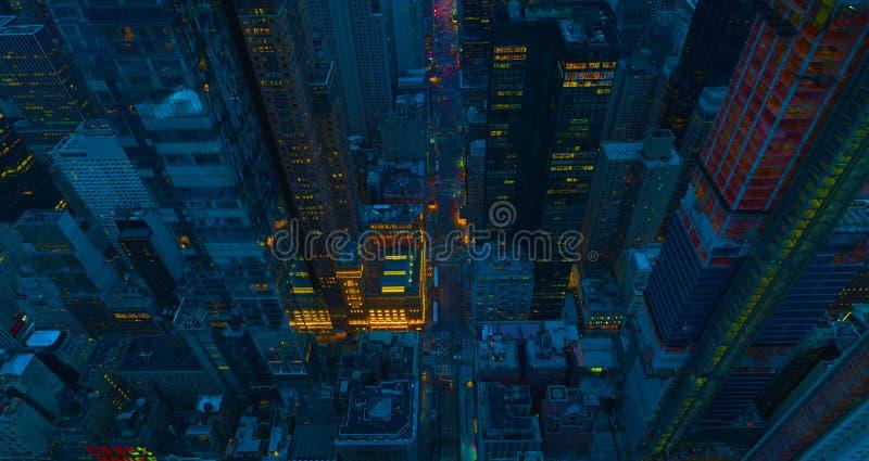 Opinião aérea do panorama do Midtown de New York City Manhattan EUA com arranha-céus e o céu azul 2019 imagem de stock royalty free