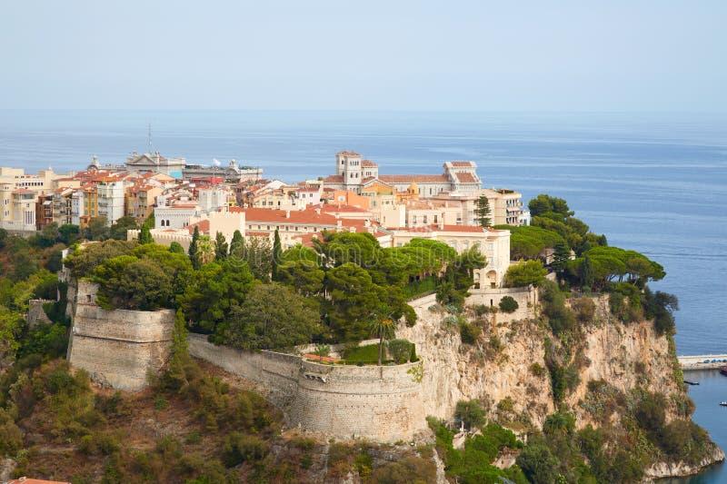 Opini?o a?rea em um dia ensolarado, c?u azul claro em Monte - Carlo da cidade de Monte - de Carlo, M?naco fotografia de stock